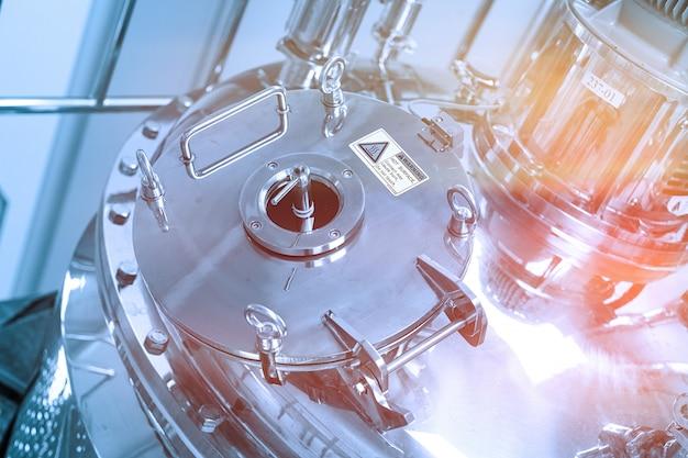 Kompressionsdeckel mit ventilchromtank Premium Fotos
