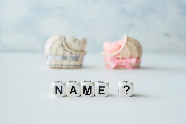 Konzept der wahl des babynamens Premium Fotos