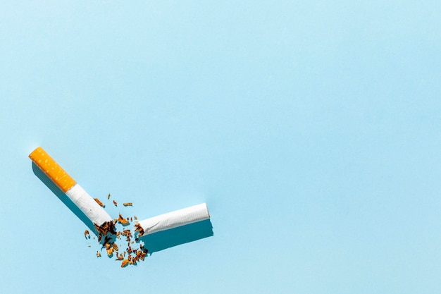 Kopierraum kaputte zigarette Kostenlose Fotos