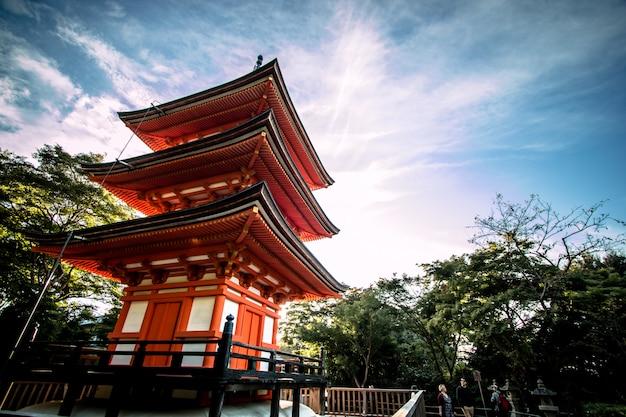 Koyasu-pagode in tempel kiyiomizu dera, kyoto. Premium Fotos