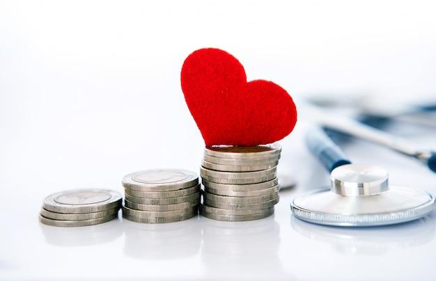 Krankenversicherung und medical healthcare herzkrankheit Premium Fotos