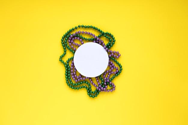 Kreis auf perlenketten Kostenlose Fotos