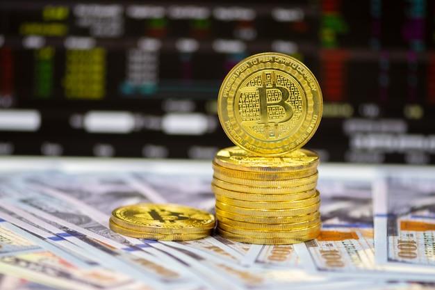 Kryptowährung, litecoin (ltc) und us-dollar auf dem tisch schließen. geldmarkt und geschäftskonzept. Premium Fotos