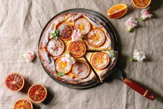 Kuchen mit blutorange Premium Fotos