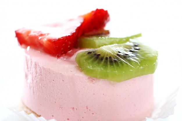 Kuchen mit erdbeere und kiwi Kostenlose Fotos