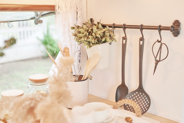 Küchenzubehör in einem wohnmobil Premium Fotos