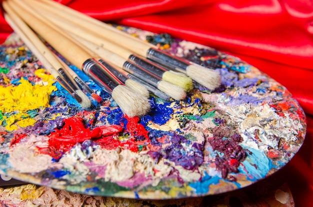 Künstlerpalette im kunstkonzept Premium Fotos
