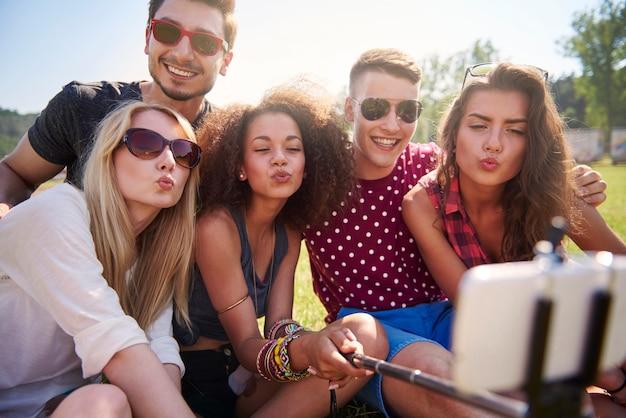 Kuss kuss! bild speziell für soziale netzwerke Kostenlose Fotos