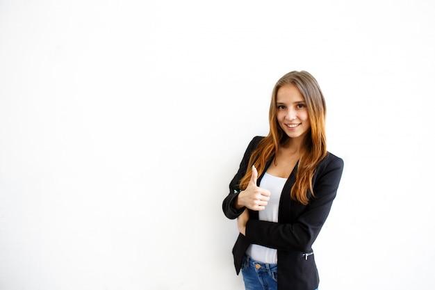 Lächelndes mädchen Premium Fotos