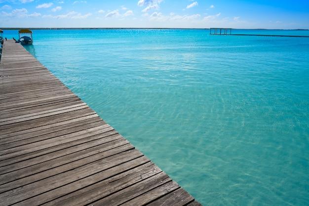 Lagune de bacalar lagune in mexiko Premium Fotos