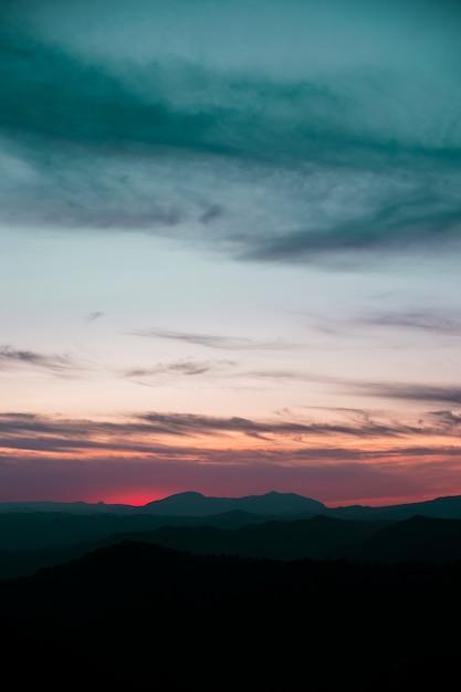 Landschaft eines schönen himmels Kostenlose Fotos