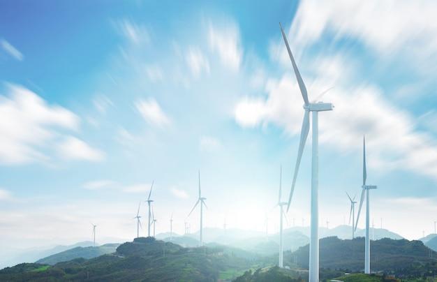 Landschaft mit windmühlen Kostenlose Fotos