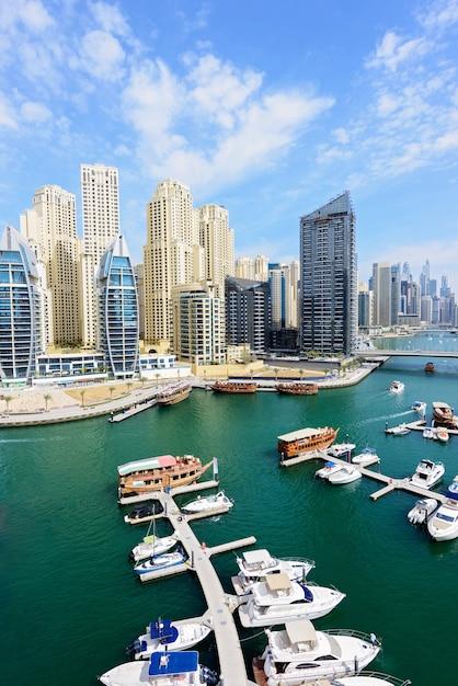 Landschaft von dubai Premium Fotos