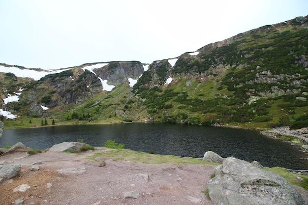 Landschaftsaufnahme des karkonosze-nationalparks jelenia polen Kostenlose Fotos