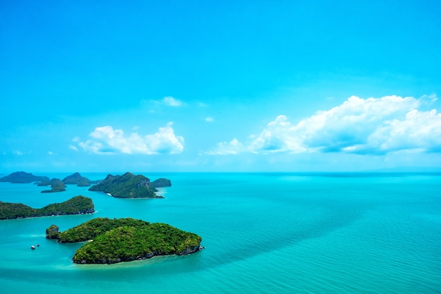 Landschaftsbild von mu koh angthong, insel samui, surat thani, thailand Premium Fotos