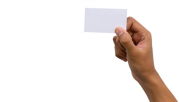 Lateinische mannhand, die unbelegte visitenkarte getrennt auf weißem hintergrund anhält Premium Fotos
