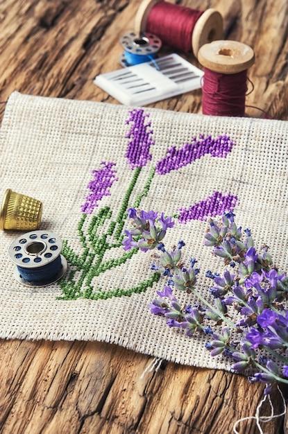 Lavendel bouquet stickerei Premium Fotos