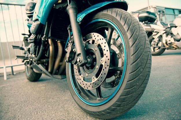 Layout für die service- oder reparaturwerkstatt für den verkauf von motorradwaren. Premium Fotos