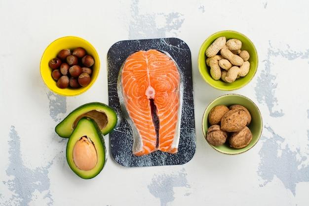Lebensmittel mit ungesättigten fetten Premium Fotos