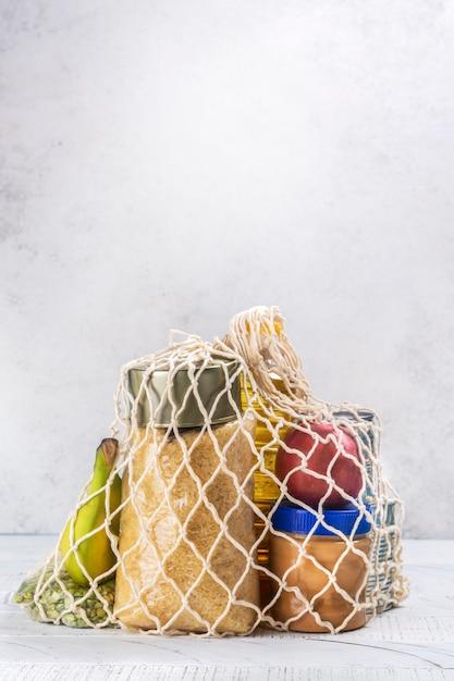 Lebensmittelspendenbox Premium Fotos