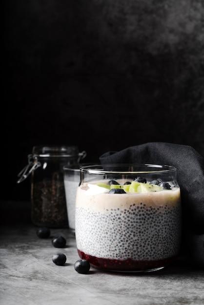 Leckere auswahl an bio-dessert Kostenlose Fotos