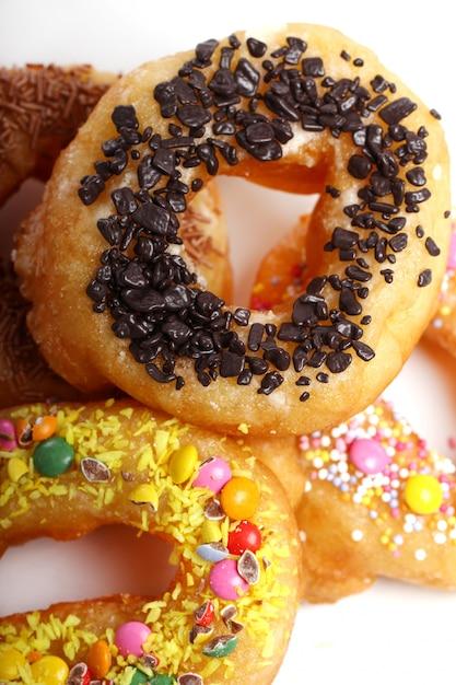 Leckere bunte donuts Kostenlose Fotos