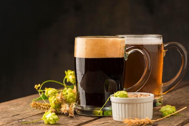 Leckeres bier und zutaten Kostenlose Fotos