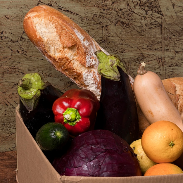 Leckeres obst und gemüse in box Kostenlose Fotos
