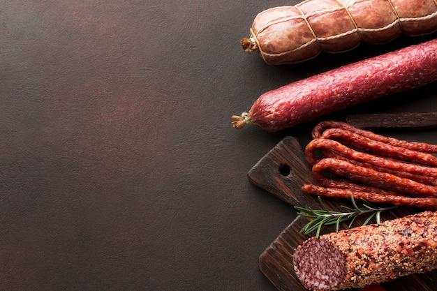Leckeres schweinefleisch der draufsicht mit kopienraum Kostenlose Fotos