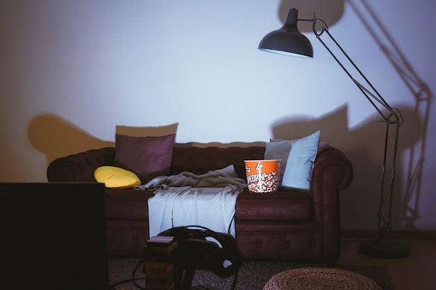 Leere Couch Und Fernseher Download Der Kostenlosen Fotos