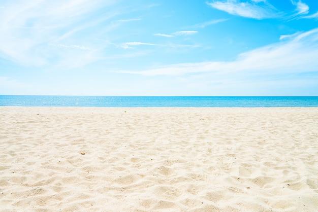 Leerer see- und strandhintergrund Kostenlose Fotos