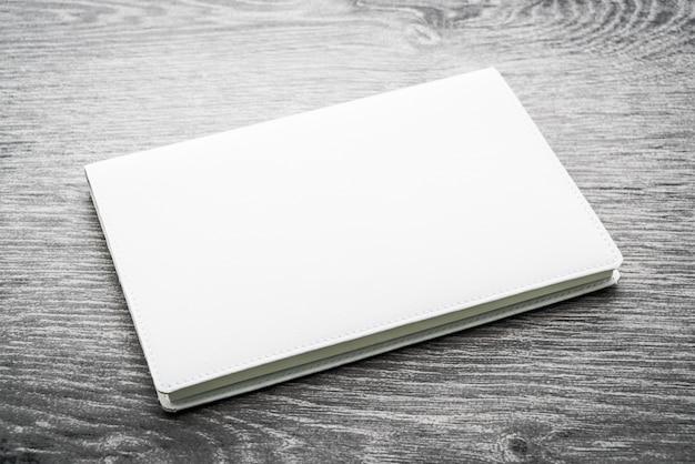 Leeres weißes spott herauf buch Kostenlose Fotos