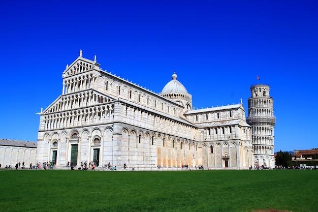 Lehnender turm von pisa, pisa-duomo italien Premium Fotos