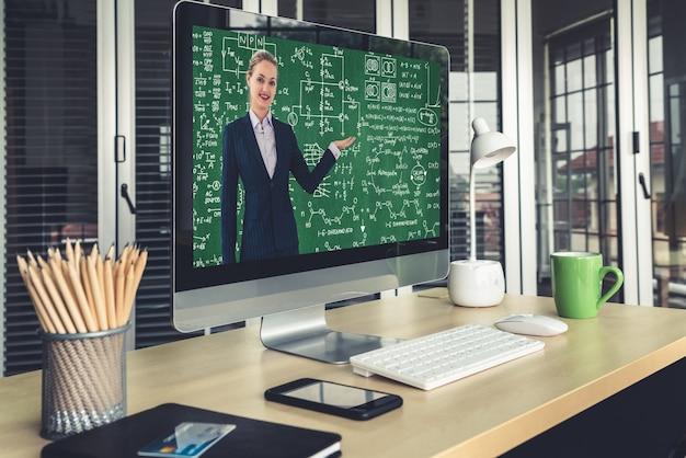 Lehrer, der online-unterricht macht Premium Fotos