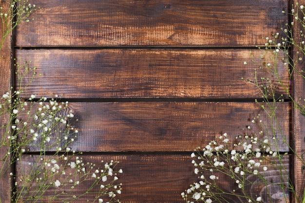 Leichte Wei 223 E Blumen Auf Holz Kostenlose Foto