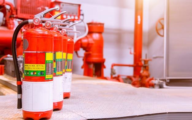 Leistungsstarkes industrielles feuerlöschsystem. Premium Fotos