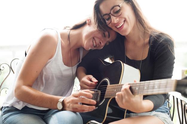Lesbisches paar verliebt Premium Fotos
