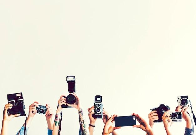 Leute mit verschiedenen weinlesekameras Premium Fotos