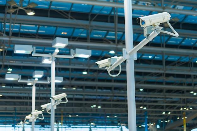 Line of cctv-kamera oder überwachung in betrieb Premium Fotos