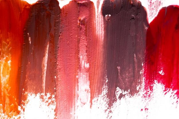 Lippenstift auf weißem hintergrund Premium Fotos