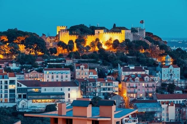 Lissabon stadt bei nacht Premium Fotos