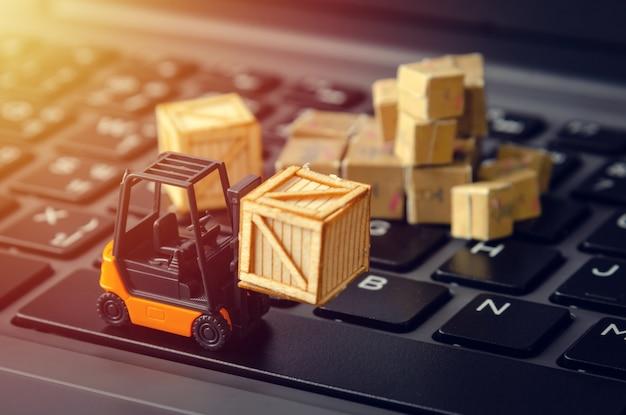 Logistik-lager-industriekonzept des elektronischen geschäftsverkehrs Premium Fotos