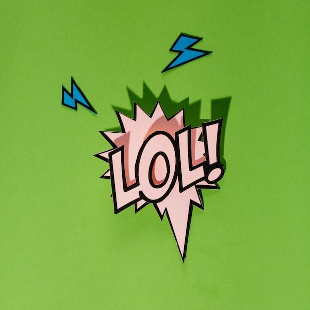 Lol! komische spracheluftblase in der karikaturart auf grünem hintergrund Kostenlose Fotos