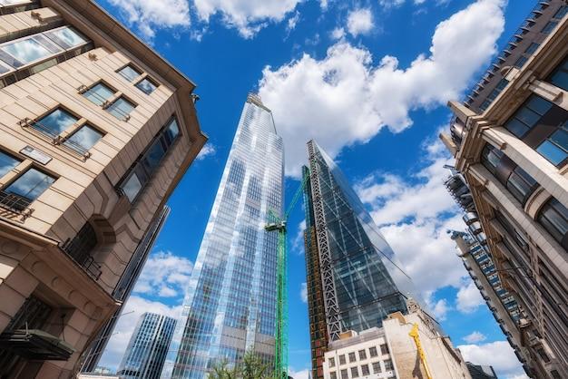 London, vereinigtes königreich, wolkenkratzer am finanzbezirk. Premium Fotos