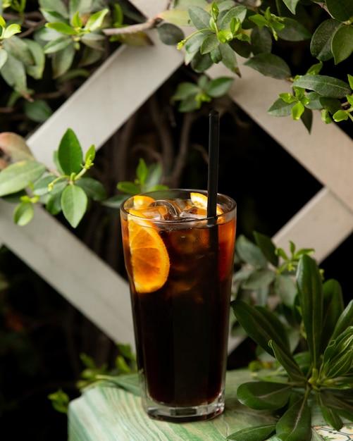 Long island cocktail mit zitronenscheibe Kostenlose Fotos