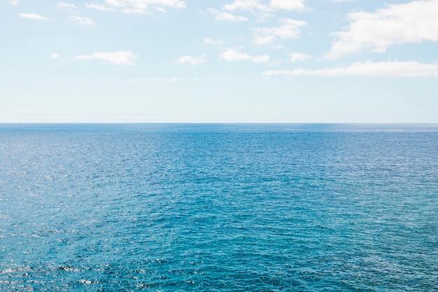 Long shot meer horizont kristallines meer Kostenlose Fotos