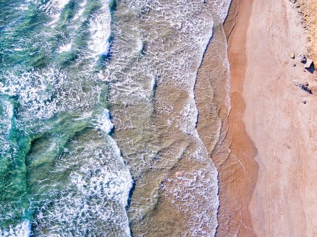 Luftaufnahme der mittelmeerküste an der costa brava, spanien Premium Fotos