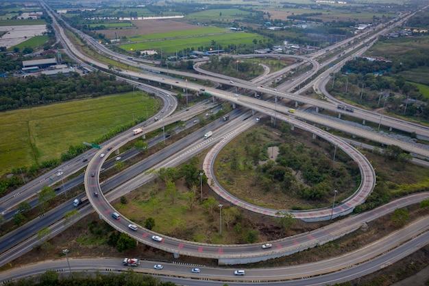 Luftbild-autobahn-überführungen Premium Fotos