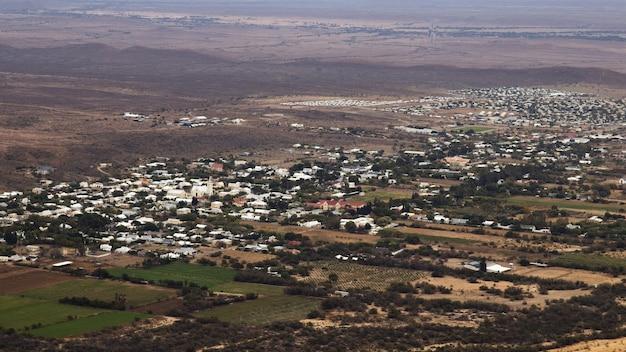 Luftbildaufnahme der stadt prince albert in südafrika Kostenlose Fotos