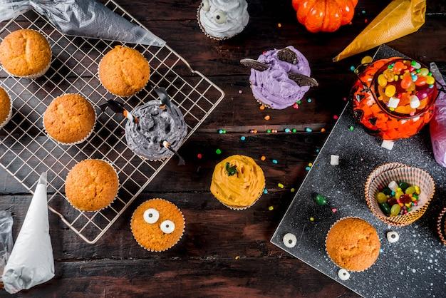 Lustige kinderkuchen für halloween Premium Fotos